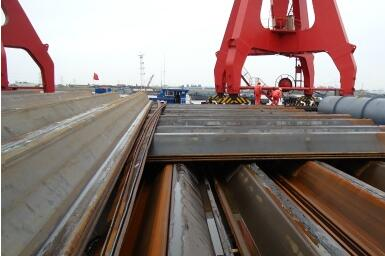 How to deal with steel sheet piles in foundation pit supporting accident